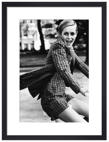1967 Vogue Twiggy print by Ronald Traeger at Heal's