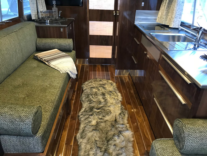 For sale: 1960s Holiday House Geographic midcentury mobile home