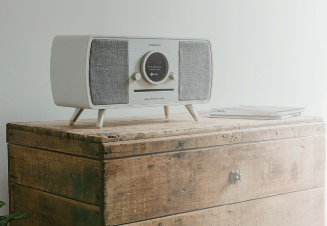 Retro-style Music System Home by Tivoli Audio