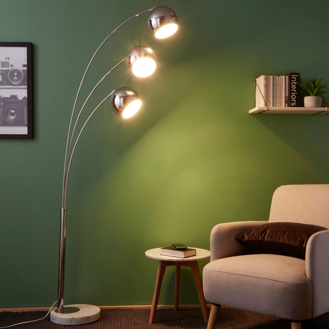 Wilson 1960s-style floor lamp at Maisons Du Monde