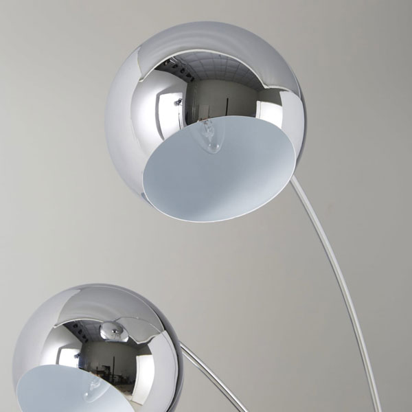 Wilson 1960s-style floor lamp at Maisons Du Monde