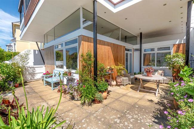 1960s coastal midcentury modern house in Sandgate, Kent