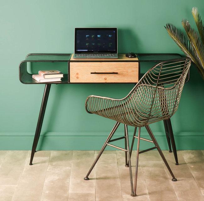 26. Retro handmade computer desk by Whaleycorn