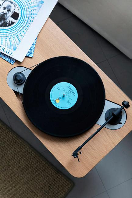 Retro Wooden Turntable record player by Harri Koskinen