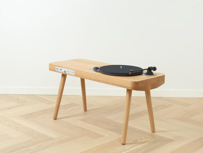 Retro Wooden Turntable record player by Harri Koskinen