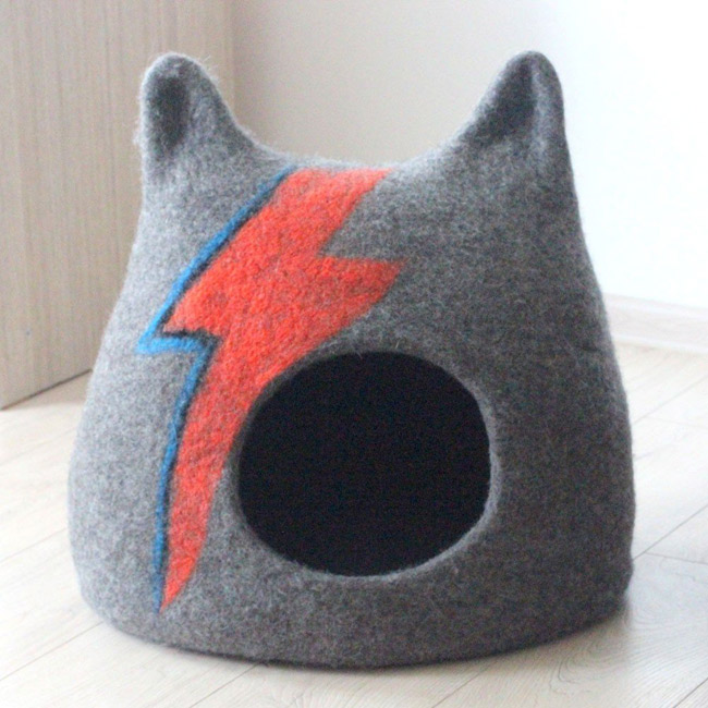 Bowie-inspired Ziggy Stardust Cat Cave