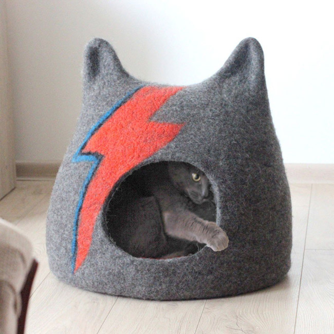 14. Bowie-inspired Ziggy Stardust Cat Cave