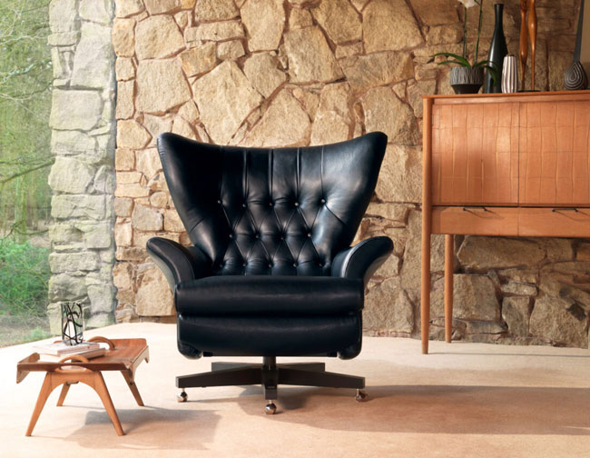 10 of the best James Bond villain chairs