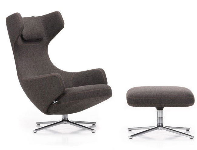 9. Grand Repos lounge chair and ottoman