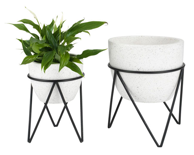 20. Pair of Syrsa garden planters