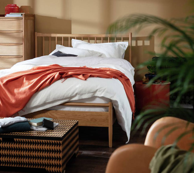 16. Habitat Chiltern spindle double bed