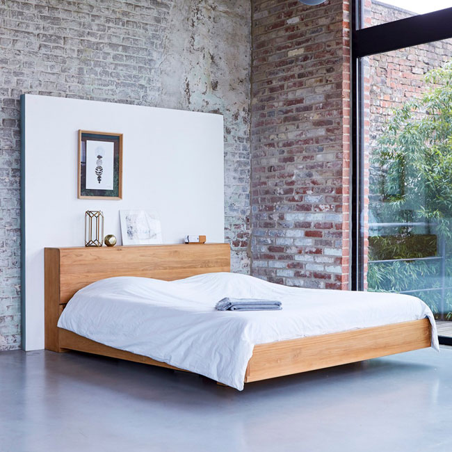 31. Tikamoon flat teak bed