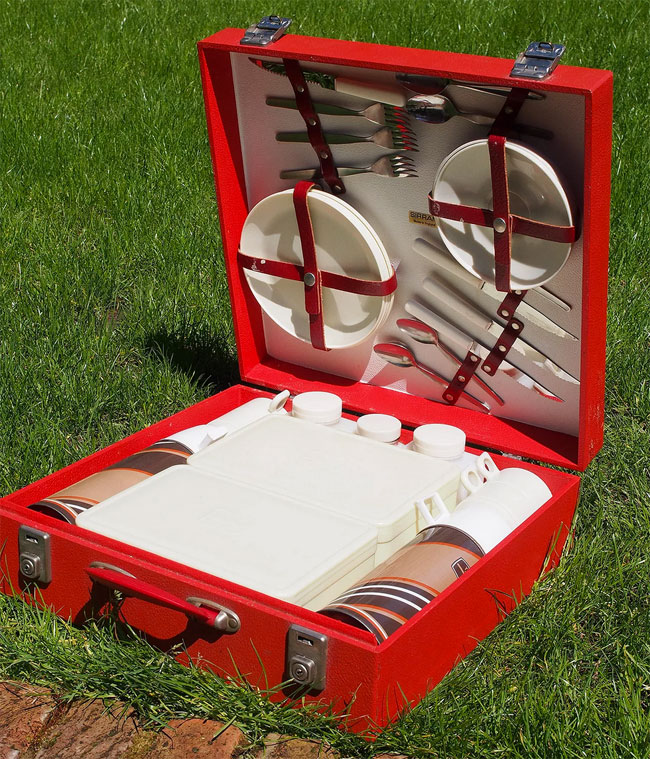 Urban Renewal vintage picnic hamper sets